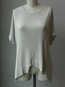 Soft modal knit top from Sen. Pair with shorts, skinny jeans, and your pull on skirt.